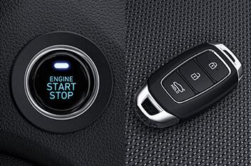 nút bấm khởi động và chìa khóa thông minh